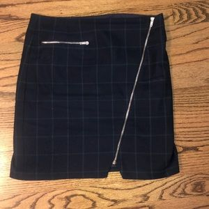 Romeo and Juliet Couture plaid skirt, Small